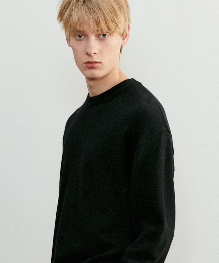 SOFT CASHMERE ROUNDNECK KNIT[BLACK]